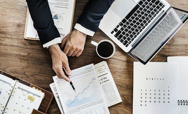 Hintergrundbild für Finanzberater (m/w/d)