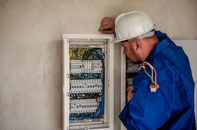 Hintergrundbild für Elektriker / Elektroniker / Instandhaltungsmechaniker Elektro (m/w/d)