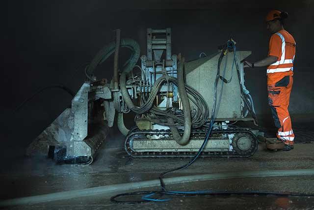 Hintergrundbild für Helfer im Tiefbau / Werker im Bereich Wasserdruckarbeiten (m/w/d)