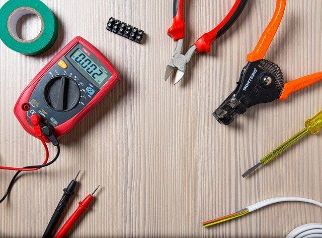 Hintergrundbild für Elektriker / Elektroniker (m/w/d) gerne Quereinsteiger für Schaltschrankverdrahtung und Baugruppenendmontage