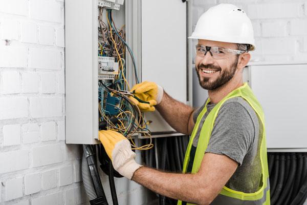 Hintergrundbild für Elektroniker (m/w/d) für Automatisierungstechnik